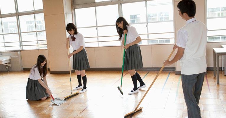 escola limpeza japao