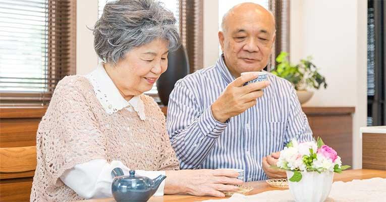 velhinhos comendo japao