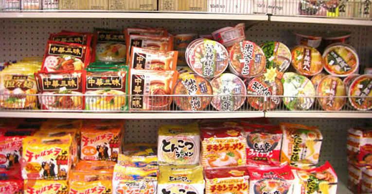 Comidas instantâneas japonesas