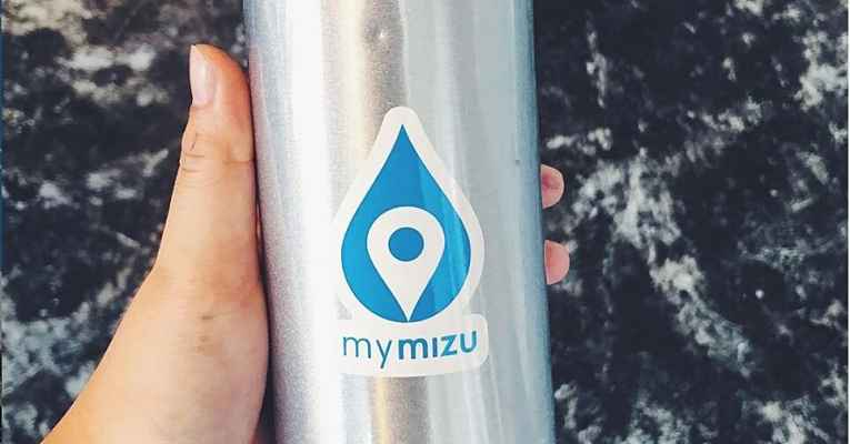 Garrafa com logo MyMizu