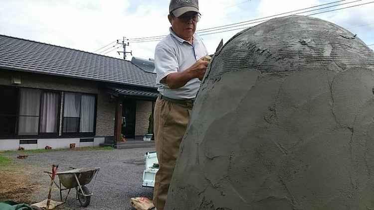Finalizando o acabamento em cimento