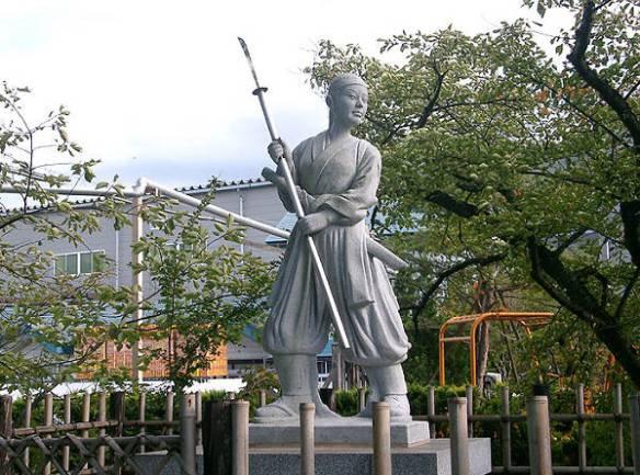 Estátua de Nakako Takeko