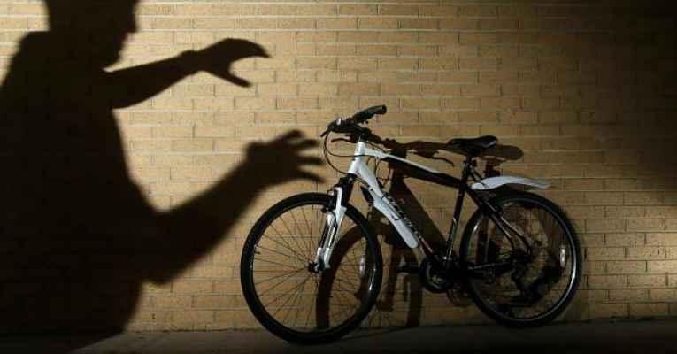 Caso de polícia: roubo de assento de bicicleta
