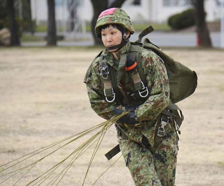Paraquedista em treinamento